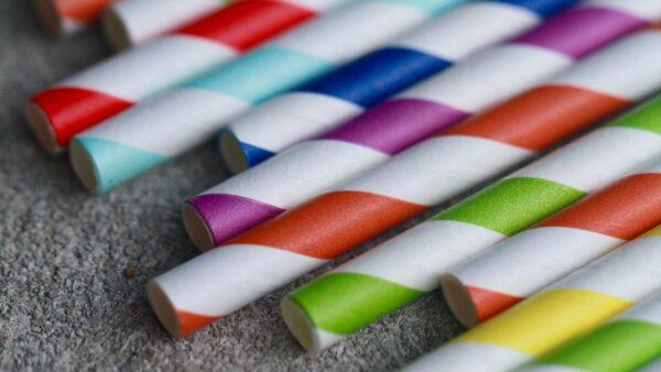 Papier statt Plastik: Capri-Sun steigt auf Papiertrinkhalme um