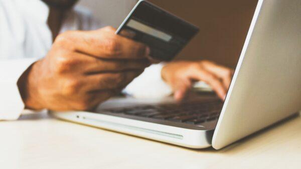 Verbraucher legen Wert auf Nachhaltigkeit beim Online-Versand